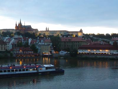 プラハ城夜景.jpg